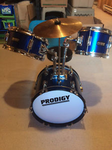 junior 5 piece Prodigy drum set