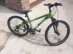 7 speed TREK mountain bike
