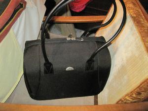 BRAND NEW Ladies Samsonite Laptop Purse Carry-on Tote