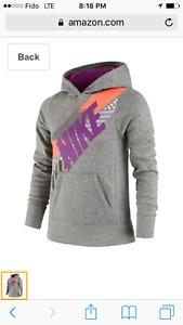 Brand New Nike girl's graphic hoodie yrs