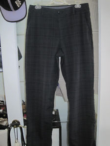 Brand New Under Armour Golf Sports Pants - Size 32 x 32