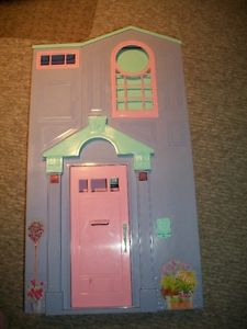Foldable Barbie house and Accessories