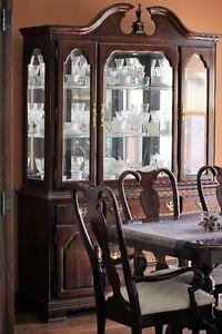 Kincaid Dining Room Set