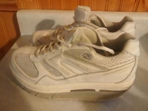 Ladies footwear, size 7
