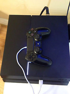 Ps4 with 3 games and 2 controllers