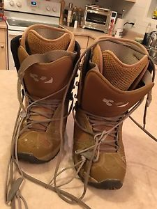 32 snowboard boots