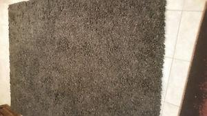 5' x 7' rug in good condition