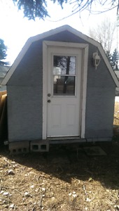 8x8 insulated dog house/shed