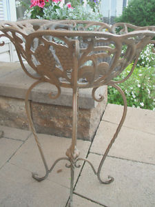 IRON PLANT STANDS