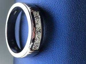 Men's 14 carat white gold wedding ring