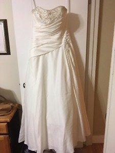 NEW A-Line Wedding Dress