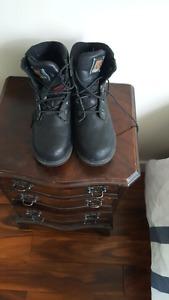 Women's Kodiak steel toe boots.
