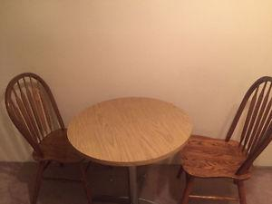 dinning table set in perfect condition