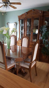 Oak Table, 6 chairs, china cabinet and hutch
