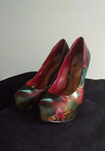 Aldo satin heels. Size 38. Red multi color. Beautiful.