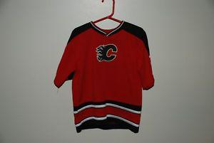 Calgary Flames short sleeve jersey Child Size 4