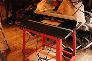 Freud Router Table and Router