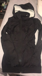 Like brand new Womens North Face jacket