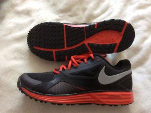 MENS NIKE Lunarlon sneakers size 9.5 us Brand new
