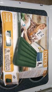 NIB twin air matress $15 firm