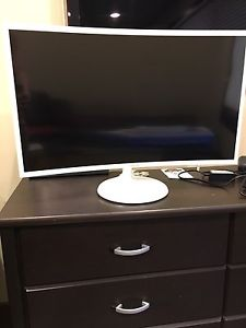 "New 32"" Samsung CF391 Curved LED Monitor!"