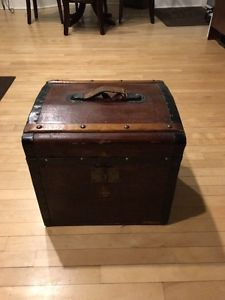 Vintage wooden chest box with key