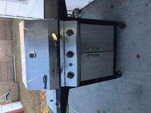 **BBQ~STAINLESS STEEL GOOD CONDITION**