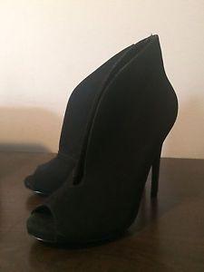 Designer Shoes: STEVE MADDEN, UGG, COACH, ALDO, MINNETONKa
