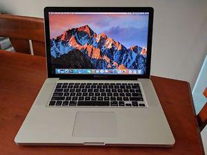 "Macbook Pro 15"" - Intel Core i7 - SSD"
