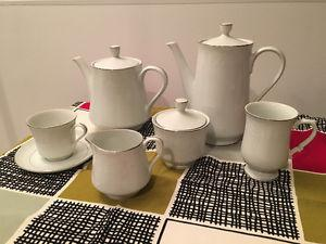 Contemporary white and silver bone china - 85 pieces -great