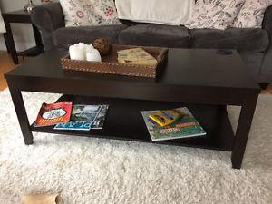 END TABLES AND COFFEE TABLE SET EXCELLENT CONDITION