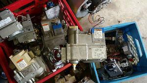 Furnace gas valves
