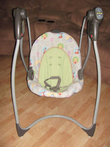 Graco Winnie the Pooh Baby Swing!
