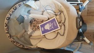 Graco glide swing and removable vibrating bouncer seat