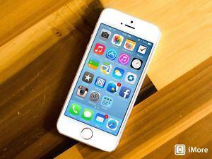 Iphone 5s - 64gb - unlocked / mint condition