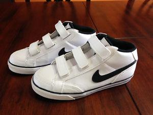 Nike leather sneakers size 1 youth