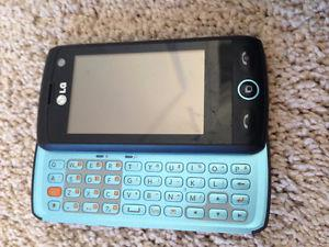 Older LG mobile phone with pull-out keyboard (Telus)