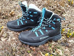 Womens Columbia hiking boots