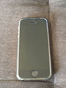 iPhone 5s with Telus in mint condition