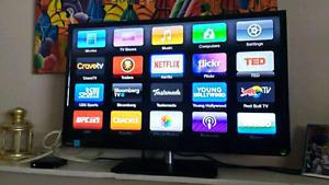 """32"""" Toshiba LCD tv + remote excellent condition $200 takes"""