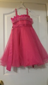 Beautiful girls dresses - Size 6-7