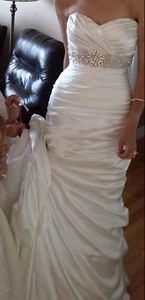 Beautiful size 4 wedding dress