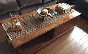 Coffee & end tables and lamps