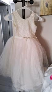 Flower girl/littlw bride's dress
