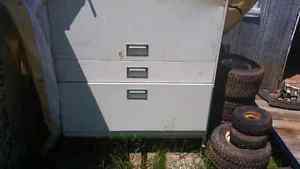 For sale: Filing cabinet with top unit sliding door