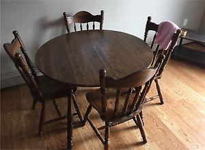 Hardwood Dinning Table set (1 table, 4 chairs)