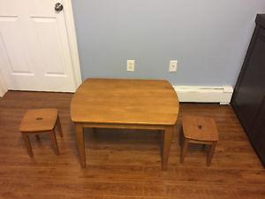Kids play table and stools