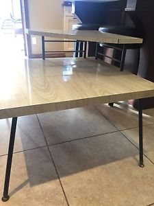 Vintage corner coffee table - good cond.