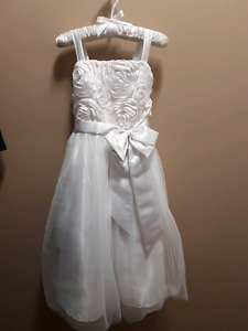Wanted: Flower girl dress (size 6)