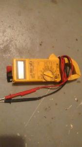 Digital Amp Seeker AC 610 w/mini pouch